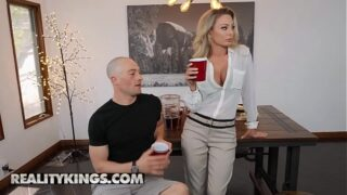 Isabella Deltore For MILF Hunter – Reality Kings
